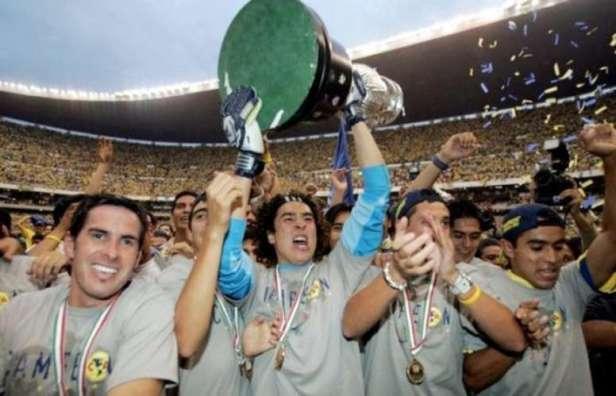 jugadores-del-america-de-mexico-celebran-el-clausura-de-2005--ampliada---clubamerica